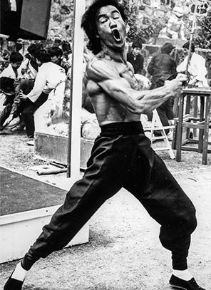 Bruce Lee /広島市西区 スポーツジム ボディビル